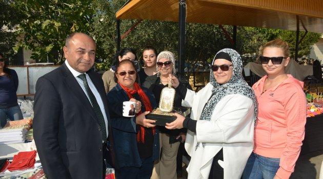 Çiğli'nin ilk sosyete pazarı açıldı