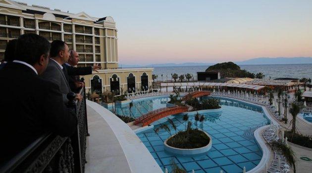 İZMİR'İN YENİ GÖZDESİ SUNİS EFES ROYAL PALACE RESORT & SPA AÇILDI